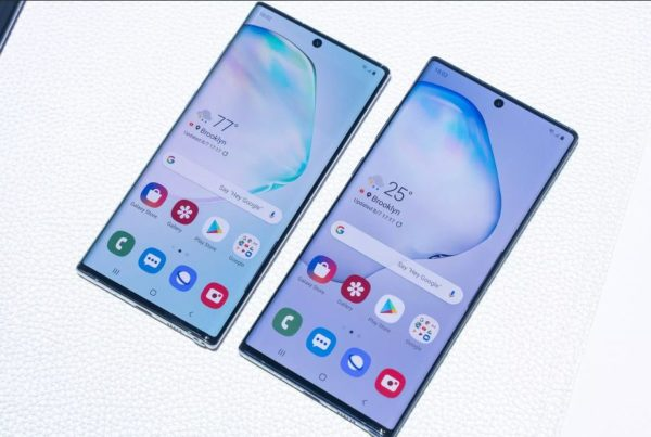 Galaxy Note10 and Note10+ front